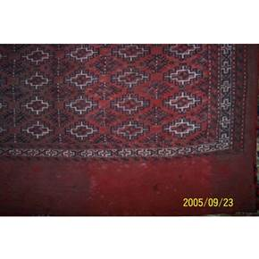 Antiqe carpet and rug og glass